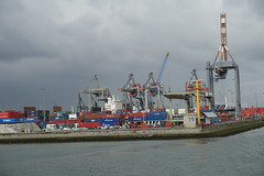 Container terminal @ Harbour Tour @ Spido @ Rotterdam (*_*) Tags: rotterdam netherlands nederland city europe october autumn fall 2016 cloudy morning spido nieuwemaas river cruise boat ship harbour tour container cargo harbor port