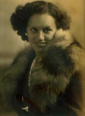 Pretty Lady (~ Lone Wadi Archives ~) Tags: lostphoto foundphoto furcoat portrait mysterious unknown retro 1920s