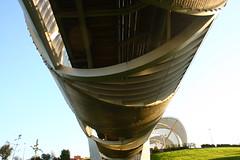 Pasarela fluvial Dominique Perrault. Río Manzanares. Madrid (Carlos Viñas-Valle) Tags: pasarela perrault rio manzanares