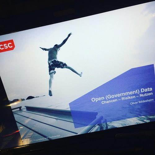 Open (Government) Data: Chancen - Risiken - Nutzen | Was sind u. wem nutzen eigentlich diese #OpenData? http://ow.ly/q1qD307gIu4 #ogov #odata #slideshare
