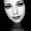 Julia (lichtflow.de) Tags: canon eos5dmarkiii ef35mmf2usm festbrennweite porträt portrait face gesicht sw schwarzweis bw blitz blick nice augen eyes