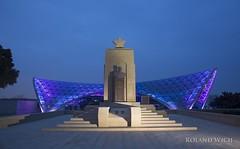 Baku (Rolandito.) Tags: aserbaidschan baku azerbaijan martyrs lane alley şəhidlər xiyaban heroes funicular