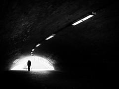You will never walk alone... (Thomas Leuthard) Tags: thomasleuthard streetfotografie