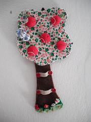 ALFINETEIRO COM PORTA TESOURA (cuoreditrappo) Tags: fuxico costura alfineteiro