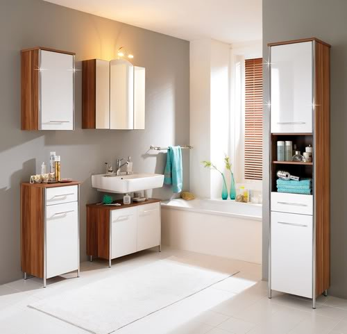 Banheiro com banheira decorado