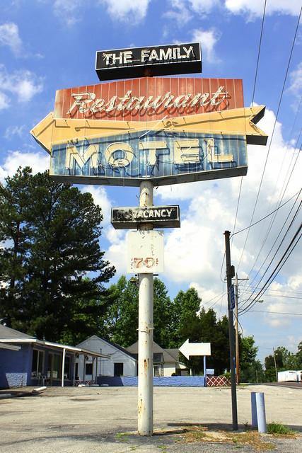The Family Restaurant & Motel - Jackson, TN