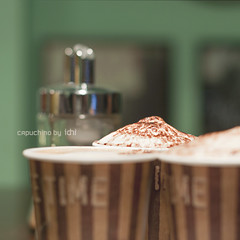 capuchino (idni . idniama) Tags: barcelona 50mm nikon bokeh coffeeshop gettyimages capuchino timewithfriends 2013 idni gettyimagesiberiaq3