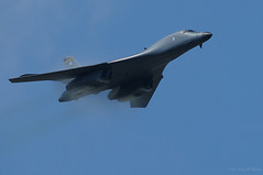 Here They Come (Fly Sandman) Tags: airplane airshow bone airforce bomber usaf lancer vapor supersonic strategicaircommand b1b rockwellinternational strategicbomber nuclearbomber mcconnellairforcebase variablesweepwing mcconnellafbopenhouse