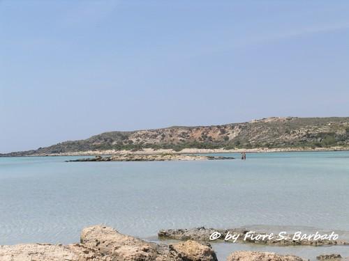 Crete (GR), 2006, Elafonisi, l'isola, la spiaggia rosa e il Monastero di Chrisoskalitissa.