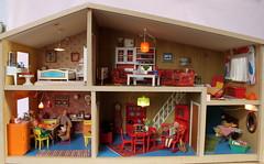 The Lundby Gothenburg - Göteborg (*blythe-berlin*) Tags: orange vintage göteborg toys dolls furniture gothenburg 70s möbel byebye spielzeug dollhouse caco jahre puppenhaus lundby 70ziger biegepuppen doll´shouse