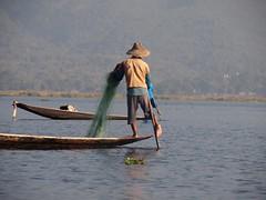 Fishermen acrobatics at Inle Lake (Myanmar 2013)