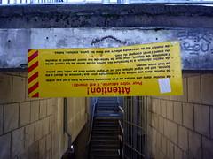 Pour votre scurit... (Jean-Luc Lopoldi) Tags: stairs danger plaque upsidedown gare humour vis escalier hazard guillotine lenvers