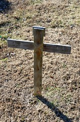 Wooden Cross - No Name (Adventurer Dustin Holmes) Tags: cemeteries cemetery grave graves gravemarkers gravemarker newhomecemetery