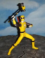 Hurricane yellow 3 (custombase) Tags: blue red storm yellow ninja hurricane powerrangers sentai ninpuusentaihurricanger hurricanger shfiguarts