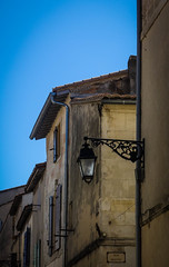 Street lamp in Arles (kimbar/Thanks for 2.5 million views!) Tags: houses france buildings streetlamp maisons provence arles
