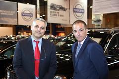 José Antonio Rodríguez (dcha) y Antonio Sauquillo, del departamento Comercial de Servauto, concesionario Volvo en el polígono industrial Europolis (Las Rozas. Madrid).