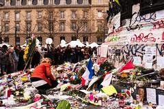 Souvenir (MNP[FR]) Tags: bataclanparis baladesparisiennes paris remember samsung hommage souvenir ile de france attacks balades parisiennes attentat nx1 13 novembre 2015 fluctuat nec mergitur bataclan 111315