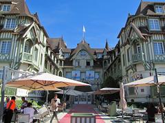 High snobiety haunt (Silanov) Tags: eu europe france frankreich normandy normandie bassenormandie calvados deauville lenormandy lenormandyhotel lenormandybarrierehotel barrierelenormandy barrierehotel deluxehotel luxuryhotel luxuriushotel firstclasshotel luxushotel fivestarhotel fnfsternehotel fivestars fnfsterne boulevardeugnecornuch bdeugnecornuch boulevard beachpromenade seafront strandpromenade anglonorman edwardian architecture architektur framework fachwerk timberframework woodenframework timberframing halftimberhouse halftimberedhouse fachwerkhaus halftimberbuilding halftimberedbuilding fachwerkgebude house haus building gebude beachresort coastalresort searesort seasideresort seebad strandbad city town stadt sky himmel bluesky blauerhimmel chic classy sophisticated mndn american actors filmfestival herculepoirot poirot summer sommer september 2016