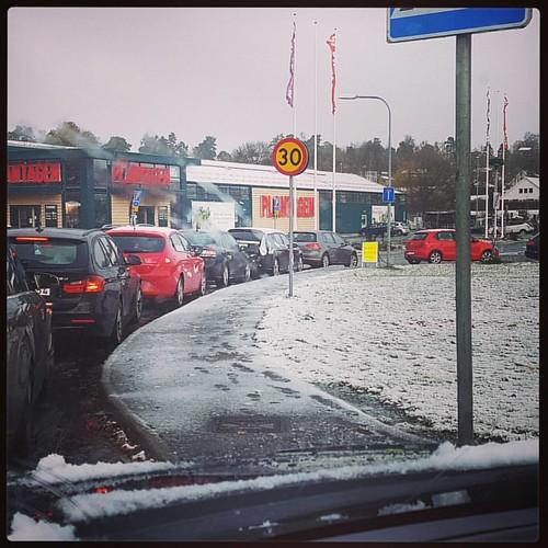 Hjulbyte 250 kr. #förstasnön #vinterdäck #inteensam