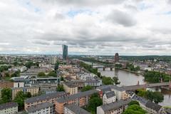Frankfurt am Main - Stadtpanorama vom Domturm, Blickrichtung Osten mit EZB (CocoChantre) Tags: altebrã¼cke bauwerk brã¼cke deutschland dom domturm ezb europa europã¤ischezentralbank fluã flã¶ãerbrã¼cke frankfurtammain hessen landschaft main panorama welt de