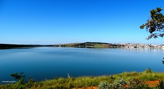 O lago (Sophie Carrire) Tags: lago cidade gua azul paisagem