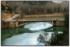 Pont d'Escalera, St. Lloren de Montgai (Jessur gustson) Tags: elsenyordelsbertins canon eos20d tamron18200 catalunya catalua catalonia espanya espaa spain lleidaprovincia noguera santllorendemontgai pont puente brigde embassament panta pantano embalse reservoir