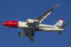 "Norwegian Long Haul Boeing 787-8 Dreamliner ""Edvard Munch"" LN-LNG (pointnshoot) Tags: canonef500mmf4lisiiusm haywardregionalshoreline norwegianlonghaul b788 dreamliner edvardmunch lnlng boeing787"