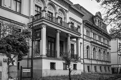 Hauptstrae (Berlin-Knipser) Tags: berlin schneberg deutschland germany bw blackwhite blackandwhite artinbw schwarzweis schwarzweiss sw