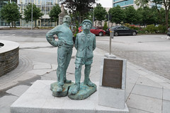 LETS CALL IT A TRIBUTE TO OISIN KELLYS TWO WORKING MEN [I HAVE NO INFORMATION ABOUT THIS]-122307 (infomatique) Tags: sculpture publicart twoboys twoworkingmen oisinkelly kingsleyhotel cork infomatique williammurphy culture ireland
