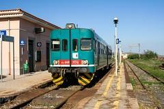 ALn 668 3176 a Scordia (silvioazzaro) Tags: treno regionale trenitalia aln668 stazione scordia xmpr binario ferrovia catania caltagirone gela canon eos350d