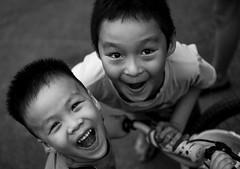 Haiphong - 2016 (hoangcharlie.photography) Tags: streetphotography street scene stphotographia vietnam asia haiphong portrait nikon d7100 outside monochrome bw kids candid