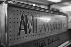 Rehab (Ren-s) Tags: jukebox music musique amy winehouse blackandwhite interieur inside indoor 60s high fidelity bokeh bruxelles brussels belgique belgium europe sound soundsystem