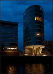Hafen City, Hambourg (Nathalie Racoussot) Tags: hambourg allemagne olympus heurebleue