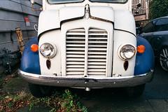 Bluebird Ice Cream Truck (Taomeister) Tags: fujicolorindustrial100 gyoumuyou ricohgr1v 業務用100 fujifilmindustrialarchivalprint100 2828
