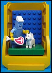 Dump Skip Theatre Presents... (Karf Oohlu) Tags: lego moc minifig modifiedminifig dog cartonofmilk themilkofhumankindness macbeth theatre dumpskip vignette