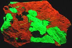 Franklinite-willemite-calcite rock (Franklin Marble, Mesoproterozoic, 1.03-1.08 Ga; zinc mine in northern New Jersey, USA) 2 (James St. John) Tags: zinc ore franklin marble new jersey franklinite calcite willemite fluorescent fluoresce fluorescing fluorescence
