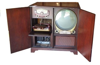 Zenith model H3267R of 1951, doors open