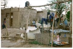En mi barrio no hay starbucks (ser convulso) Tags: infancia barrios pobreza marginalidad riojanos