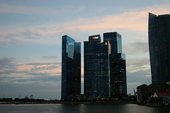 Singapore skyscrapers (n_sapiens) Tags: marina river bay singapore asia skyscrapers fiume bank sands dbs grattacieli dbsbank