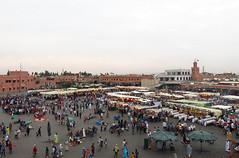 Marrakech - Praa Djemaa El-Fna (Maria Lucia Dornas) Tags: maroc marocco marrakech praa marrocos djemaaelfna elfna praadjemaaelfna praamarrakech