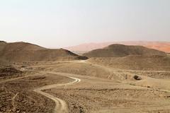 The small road (Délirante bestiole [la poésie des goupils]) Tags: road desert east saudiarabia désert arabie karara arabiesaoudite