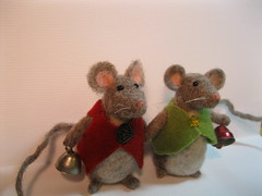 Mousey Brothers (HappyCatStudio) Tags: christmas wool nature felted toy happy rodent vinter doll natural bell ooak waldorf felt whiskers solstice yule vol fiberart jingle jinglebells poppen mouses woolroving needlefelted filt needlecfaft