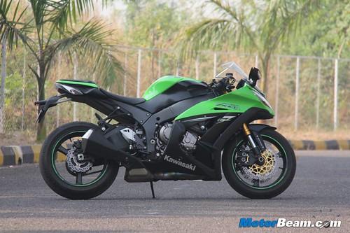 Riding A Kawasaki Ninja ZX-10R Superbike In India