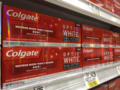 Benpop318_CL_colgate_palmolive-2909026040-O (FoolEditorial) Tags: toothpaste oral colgate cl hygeine consumergoods homegoods palmolivecompany