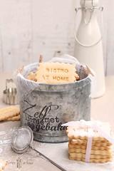 """linzer"" cookie (norijuranyi) Tags: food dessert cookie sweet bite baked foodphotography foodstyling"