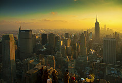 The last sunset of 2013 over Manhattan (Arutemu) Tags: city nyc newyorkcity light sunset urban usa sunlight ny newyork america canon us cityscape sundown manhattan ciudad american 夜景 風景 アメリカ 街 町 黄昏 美国 americain 米国 eos5d 都会 たそがれ マンハッタン 光景 斜陽 都市景観 {vision}:{clouds}=0524 {vision}:{mountain}=0605 {vision}:{sunset}=0719 {vision}:{sky}=0827 {vision}:{outdoor}=0758