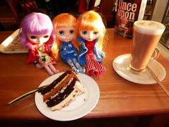 Costa Coffee! (Bebopgirl1969) Tags: cake tiramisu blythe latte forres costacoffee cinnamonlatte cousinolivia icerune lavenderhug