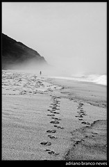 """18/365 """"The secret of getting ahead... (www.adrianobranconeves.com) Tags: sea bw mountains beach sand footprints 365 123bw nikond300 365attempt adrianobranconeves"""