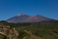 Mount Teide (dormant volcano) and Pico Viejo (Carlos Martn Daz) Tags: volcano day clear tenerife teide canaryislands islascanarias volcn picoviejo