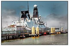 HMS DAUNTLESS. STERN VIEW (Derek Hyamson) Tags: liverpool stern hdr merseyriverfestival waterront canningdock hmsdauntless linerterminal